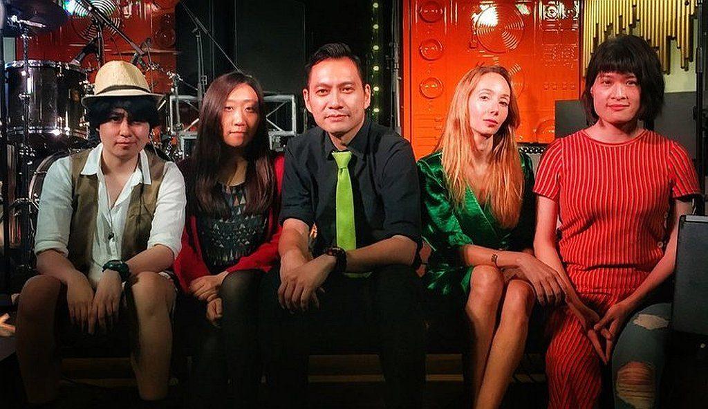Le French May 法式週末音樂會打頭陣的表演單位「OPIUM 鴉片」,是一支香港本地的流行搖滾樂隊。