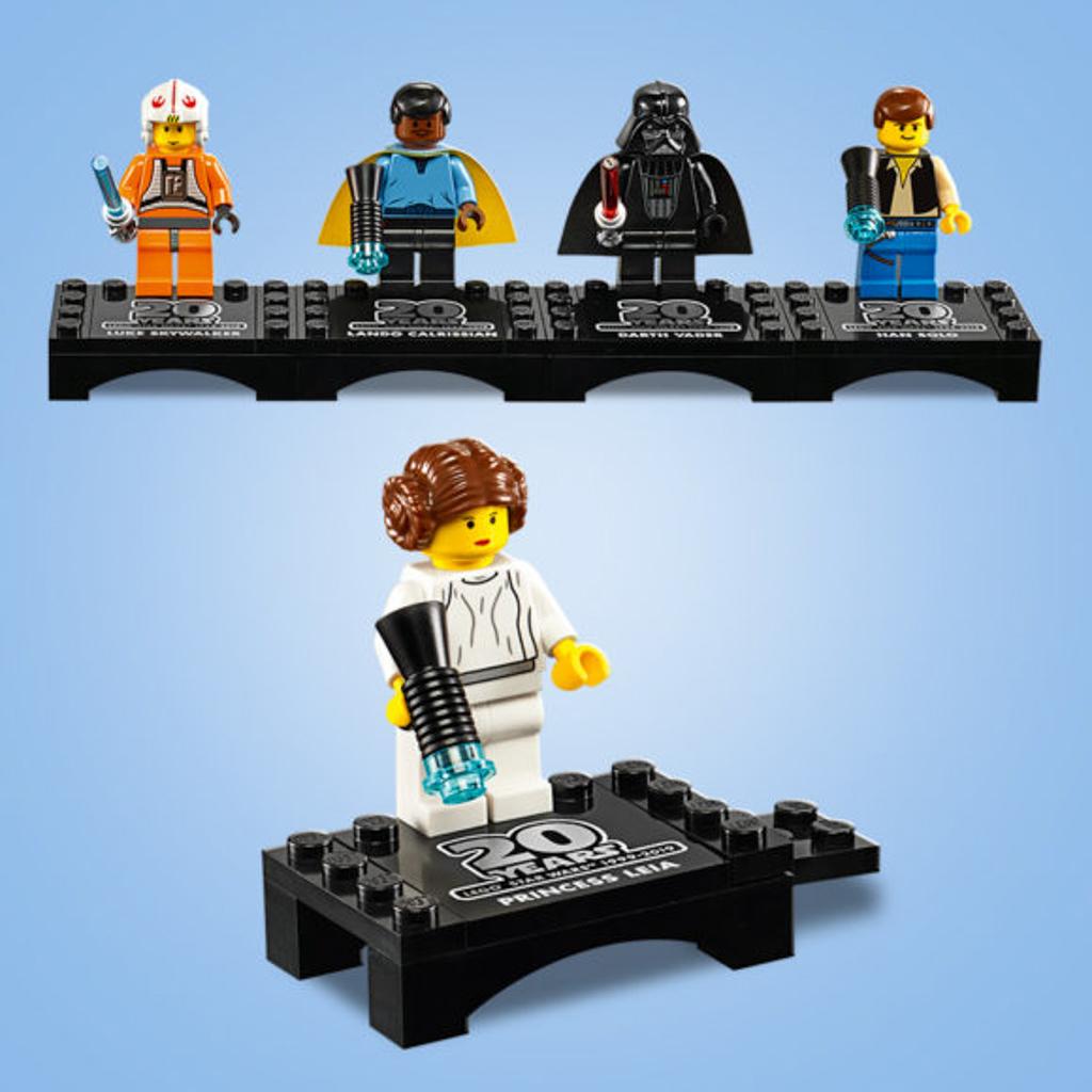 朗豪坊:LEGO X Starwars 20週年紀念展覽 復刻初代星戰公仔