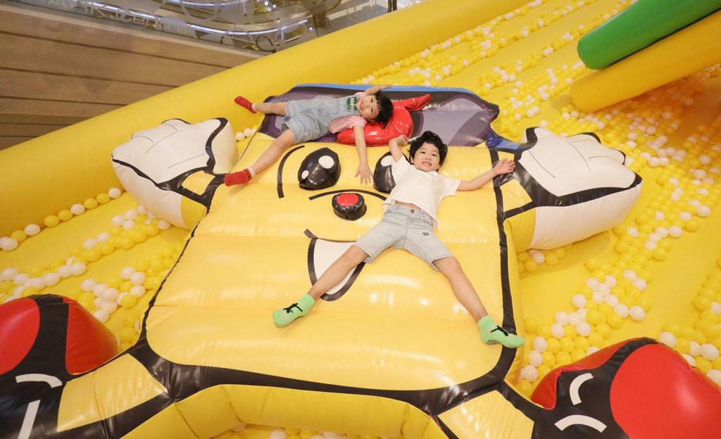 將軍澳中心:充電寶寶夏日充氣玩樂園巨蛋型波波池 3米乘3米巨型充電寶寶