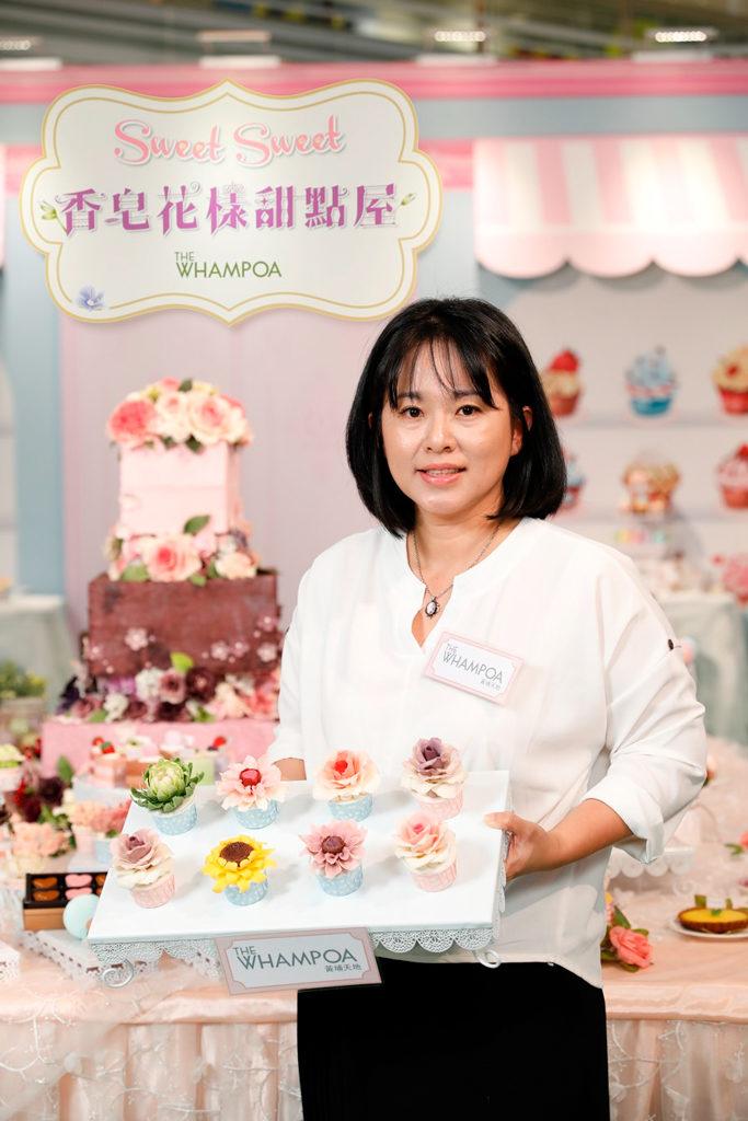 黃埔新天地:母親節香皂花樣甜點屋 台灣「皂型魔法師」格子親手製作的「香皂花樣甜點屋」。