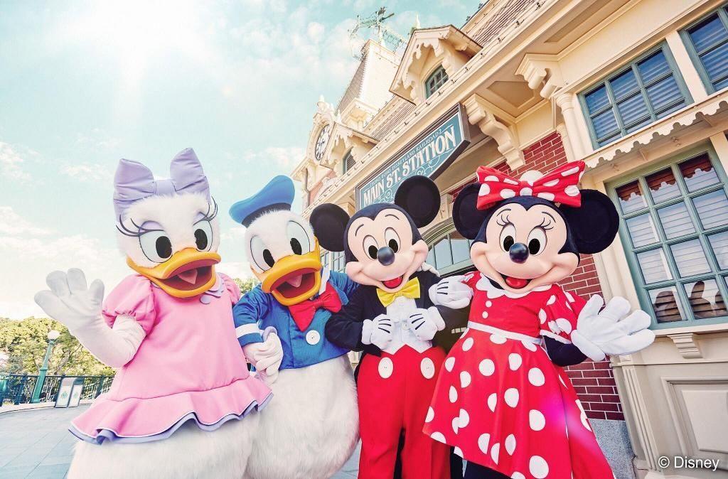 夏日派對期間,多位迪士尼朋友將在迪士尼樂園的各個角落有驚喜表演!