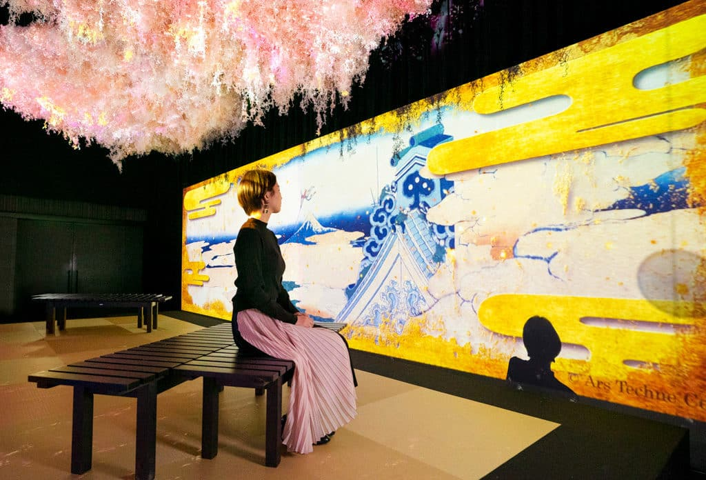 "MOSTown新港城中心:""Flower Pieces""繁花互動感官展 「FLOWERS BY NAKED」虛將於MOSTown新港城中心舉行首個日本國外展覽。"