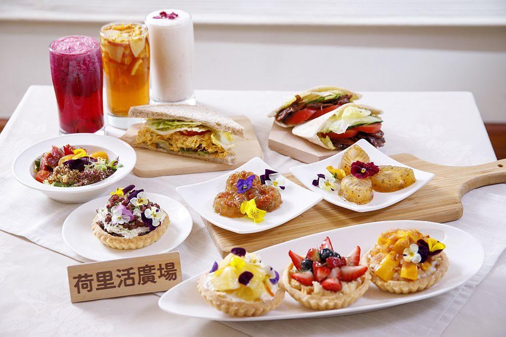荷里活廣場:傳與承藝術市集會場內設有彩虹花藝素食「美食區」,由志蓮香積廚炮製逾 10 款以花藝為主題設計的糕點和特飲。