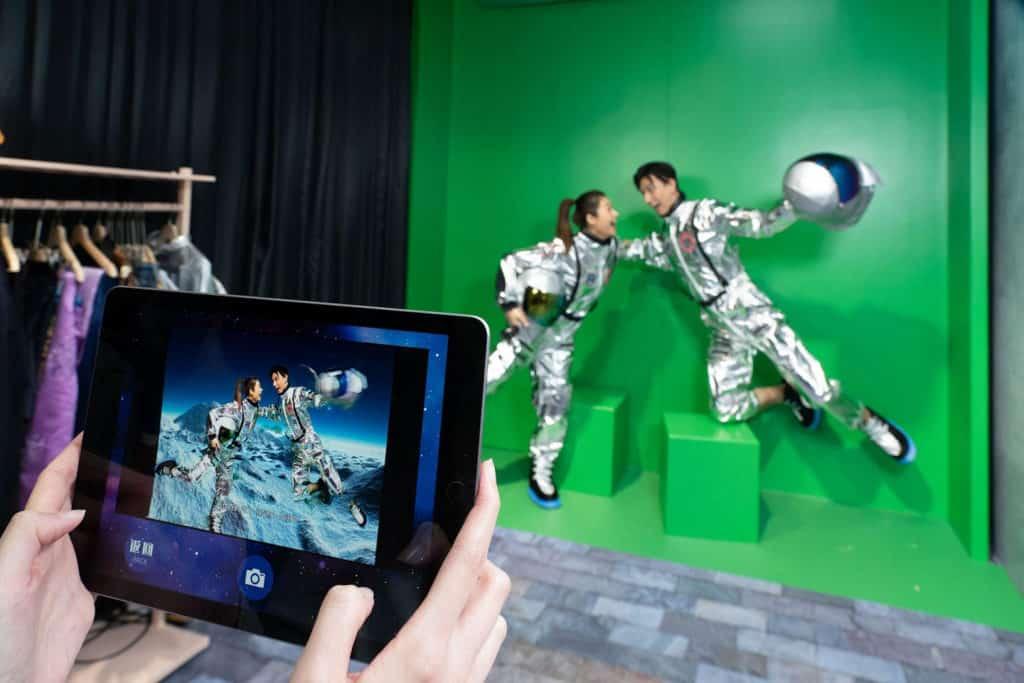 黃大仙中心:穿越銀幕·秒變主角活動 成功登月的場景