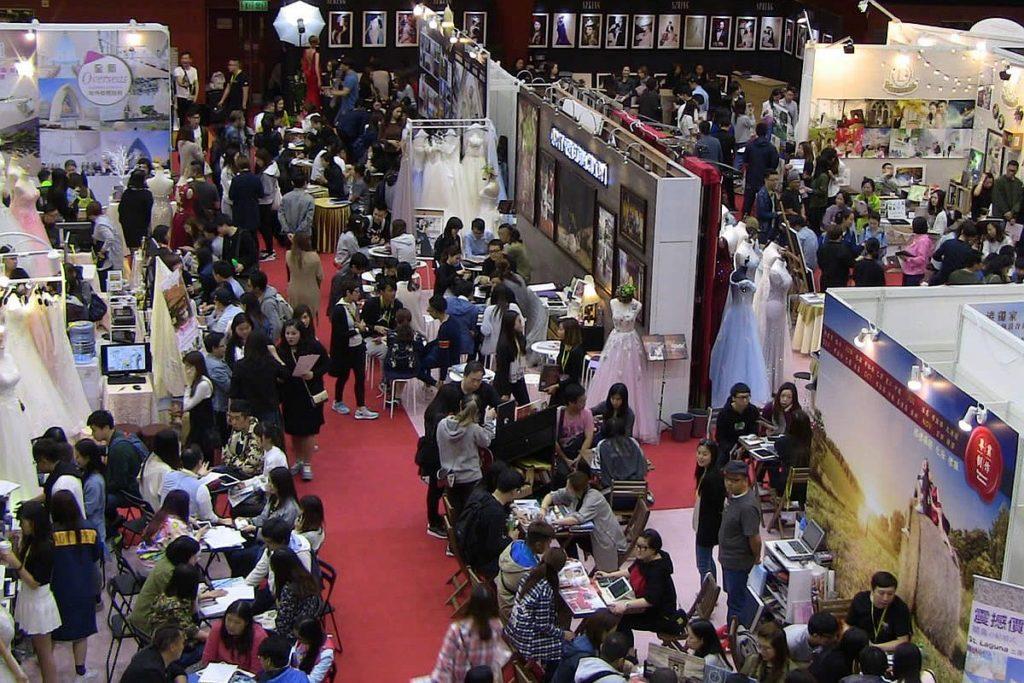 第30屆婚展會2019將進駐九展的「匯星」、「展貿廳 2」及「展貿廳 3」三大展館,設有近 300 個展位。
