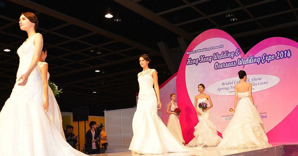 第 30 屆婚展會會場於下午 3 時半至 4 時半將會舉行婚紗晚裝 Catwalk Show。