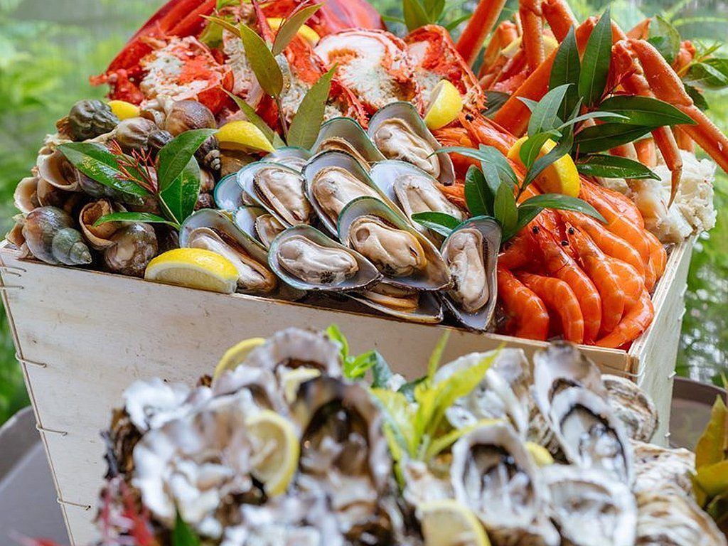 8 度海逸自助餐生日優惠 7 至 9 月主題為「夏日海鮮狂熱自助晚餐」