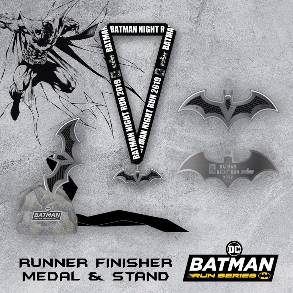 西九文化區:蝙蝠俠80週年紀念夜跑 完成者可獲得獎牌,更可以特惠價格加購獨家獎牌座。