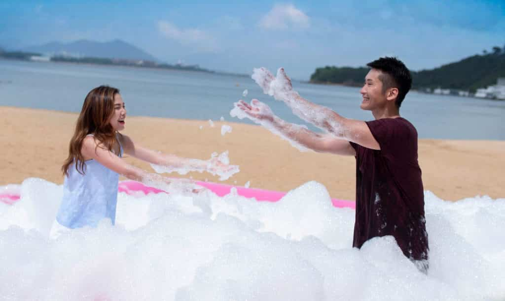 愉景灣夏日滿FUN 愉景灣週末會舉行瘋狂泡泡大派對。