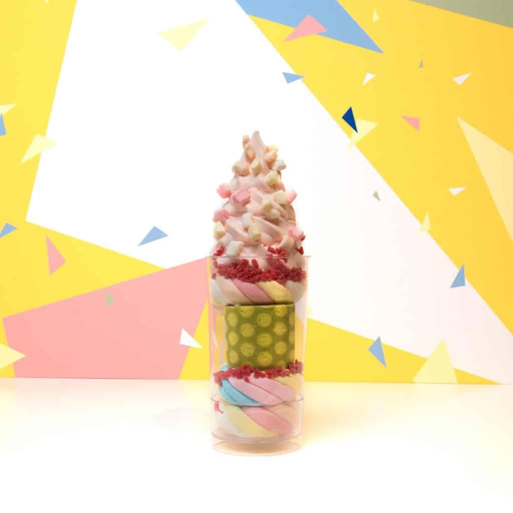 "太古城中心:""LOG-ON Carnival"" 20週年慶典 LOG-ON x sweets house Cha Cha別注版軟雪糕"