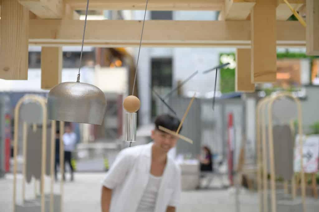 PMQ元創方:蜻亭互動裝置 裝置在取材上,利用竹、木、石等天然素材建成。