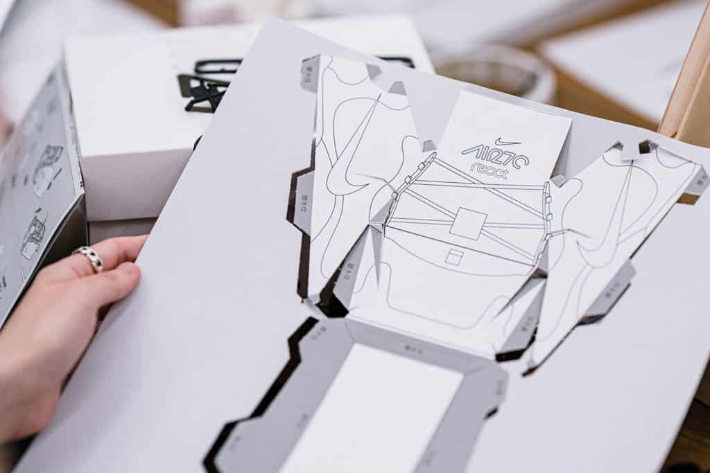 "THE FOREST商場:""Clash Lab""Nike期間限定創意藝術空間 親手製作個人專屬紙製四驅車"