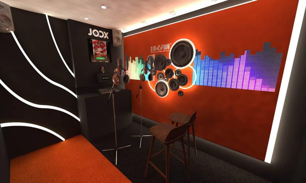 希慎廣場:Maxim's Music Studio 參加者可於擁有專業音響設備的錄音室內,自選由JOOX提供的K歌。