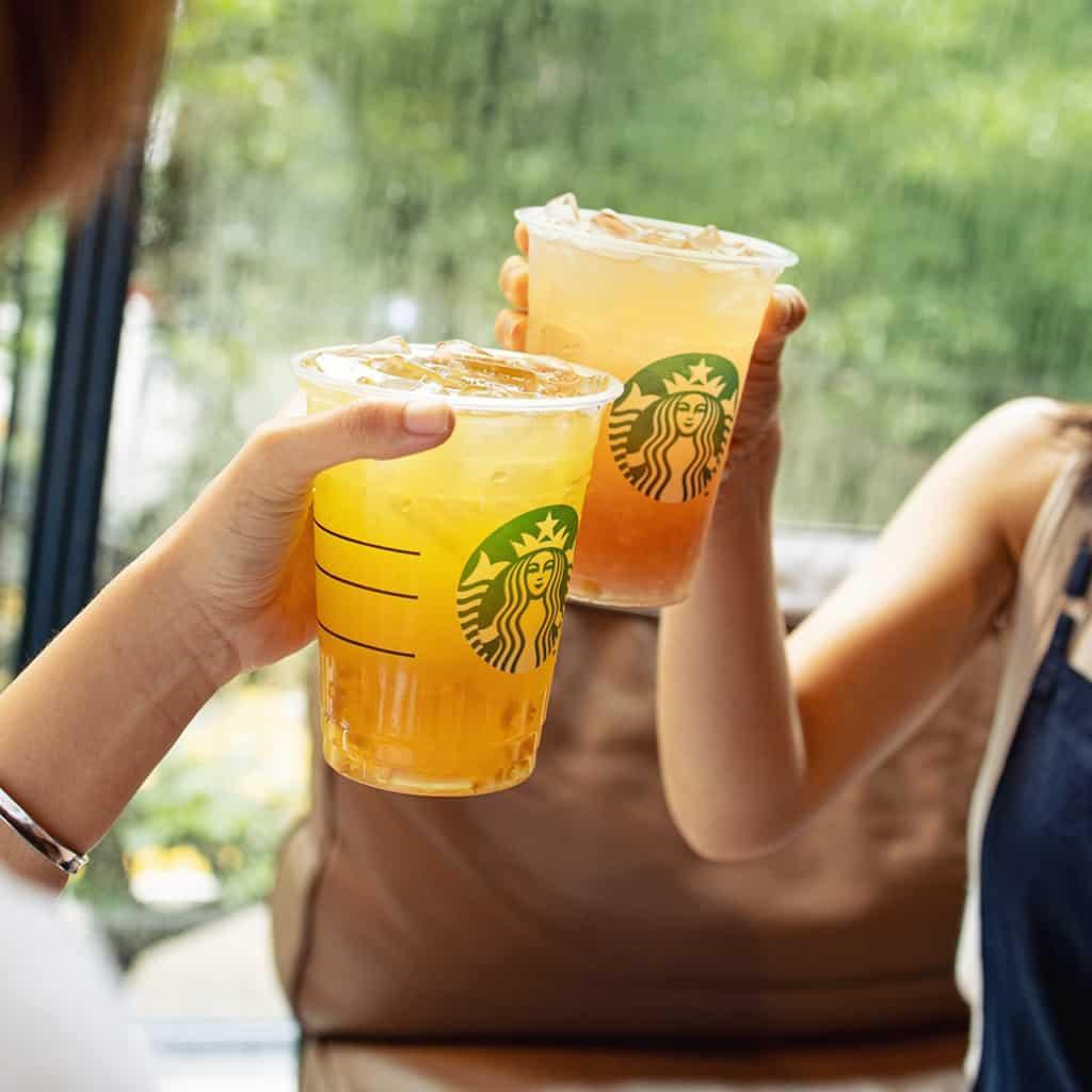 Starbucks手調凍飲買一送一優惠 購買任何大杯裝或以上之手調凍飲或星冰樂,可享買一送一優惠。