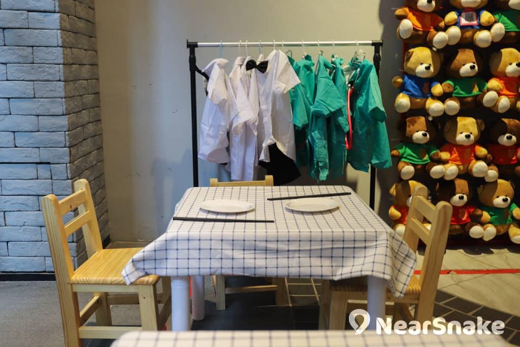 D2 Place:「我們的荔園」展覽及嘉年華 小朋友可穿上特色服飾,坐低嘆「一盅兩件」。