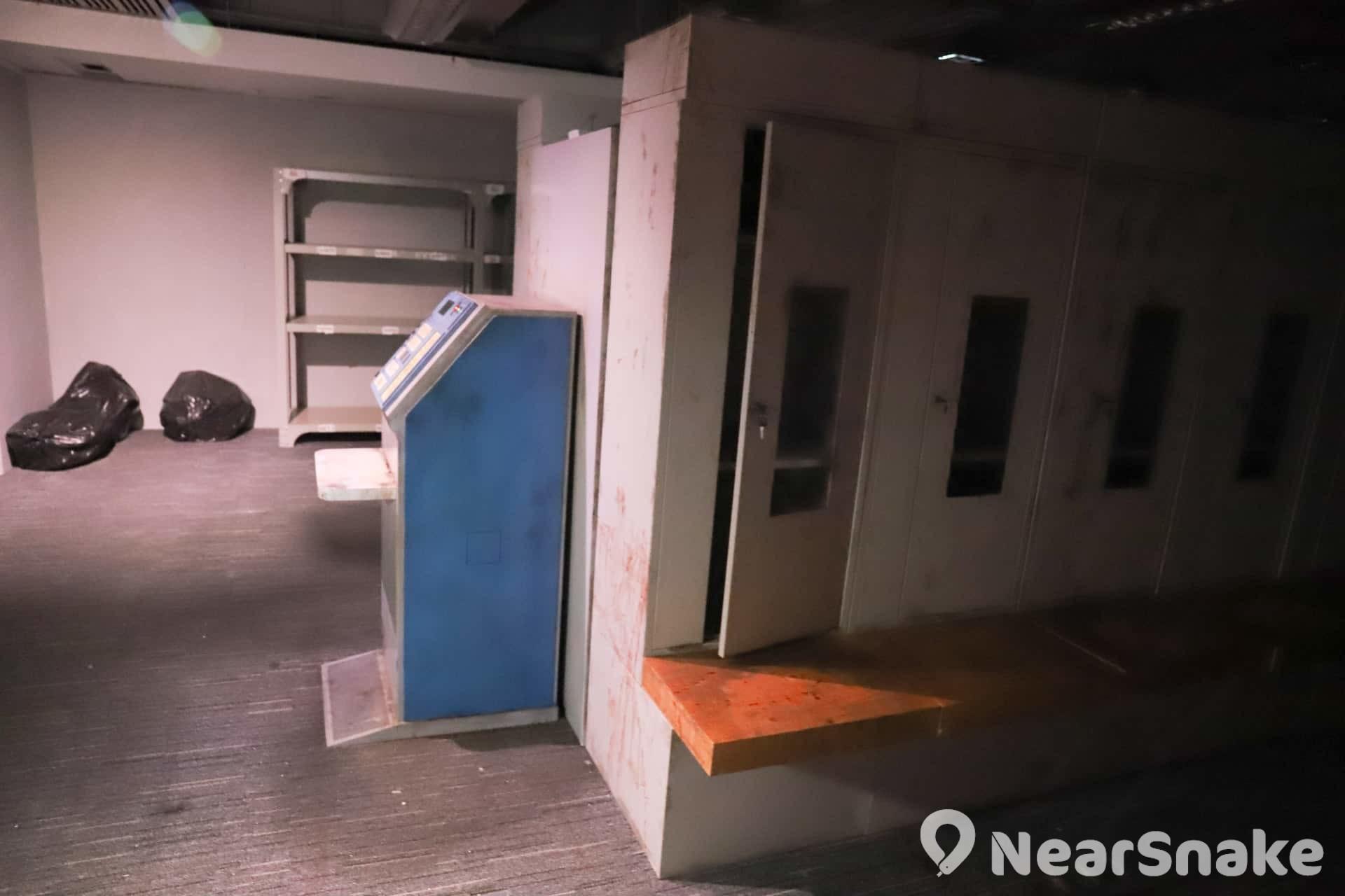 【萬聖節鬼屋2019】《生化危機2》遊戲場景神還原 實景體驗館勾起集體回憶 儲物櫃室