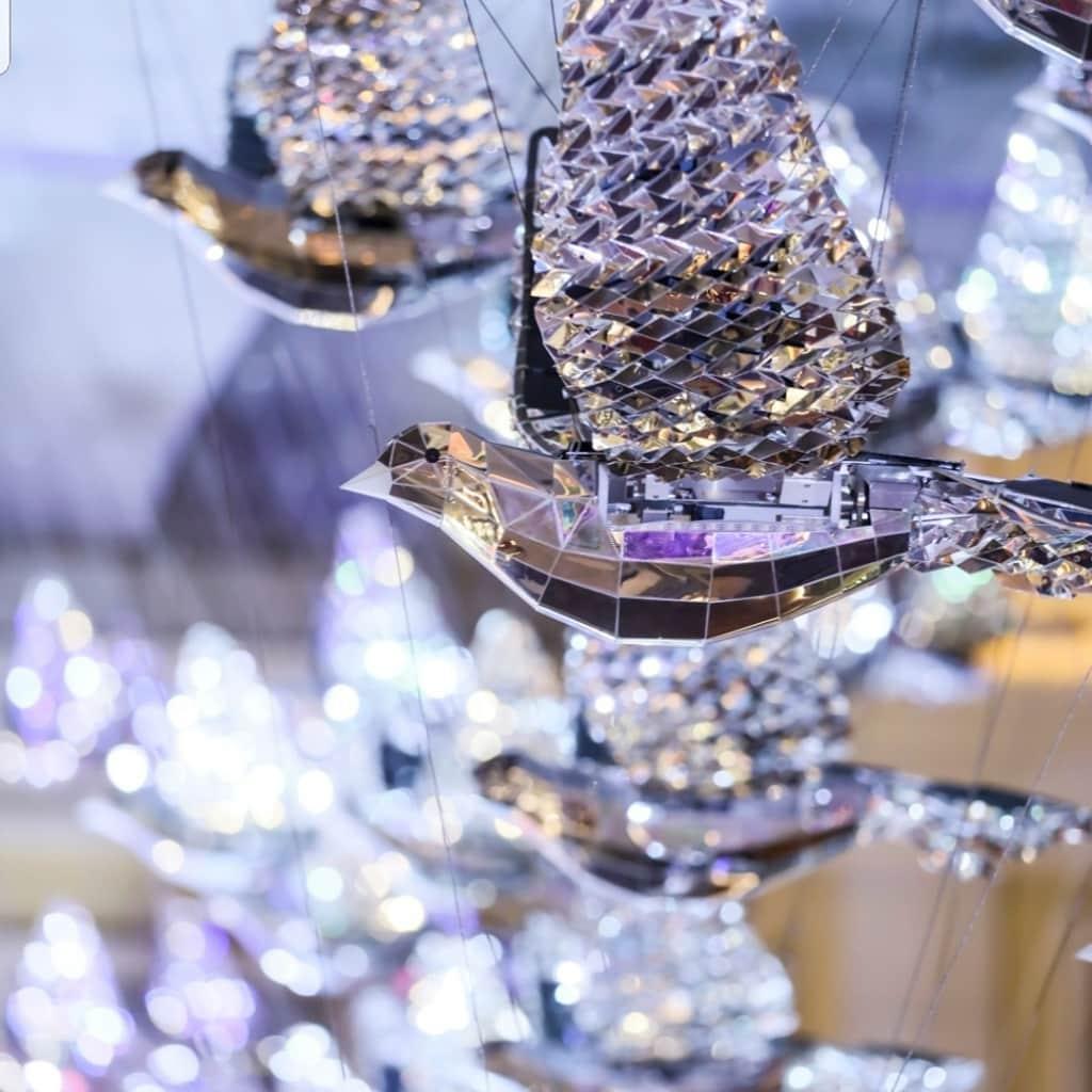 利東街:Wings of Christmas 作品由 50 隻裝置藝術白鴿組成。