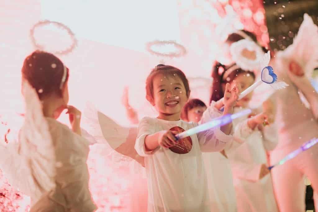 利東街:Wings of Christmas 聖誕期間會有聖詩、舞蹈等各項表演。