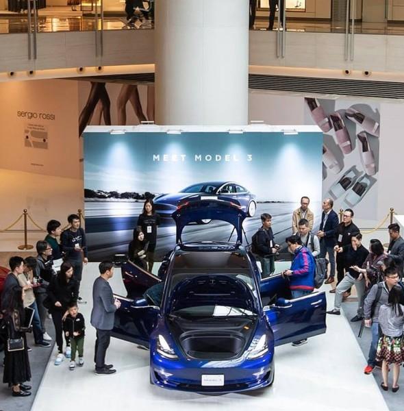 ELEMENTS圓方:Tesla Model 3 車展