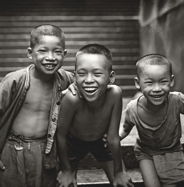 上環磅巷:「念香港人的舊」何藩攝影展