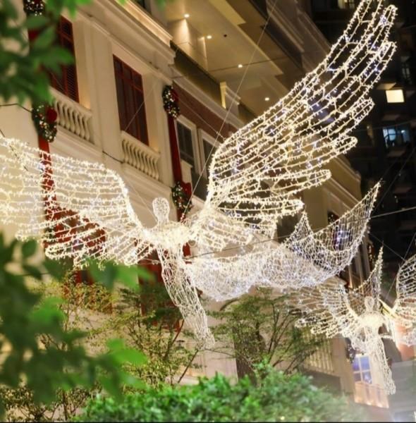 利東街:Wings of Christmas